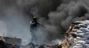 В центре Донецка снарядами повреждены два ТЦ