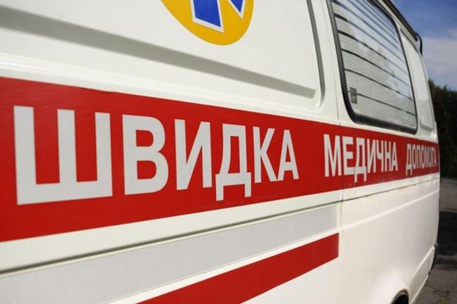 Взрыв возле Украинского дома: пострадали два человека