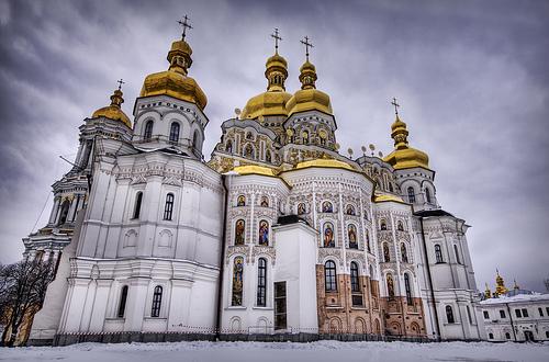 Возле Лавры собирается акция под лозунгом «Долой московского попа»