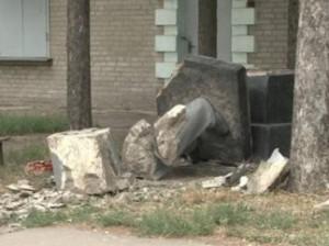 В Харькове официально демонтировали памятник Ленину