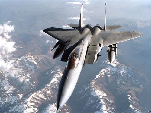 В Литву прибыли четыре истребителя ВВС Канады