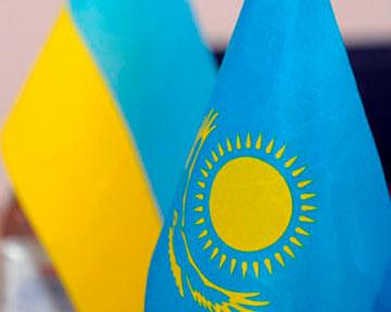 Назарбаев намерен создать фонд поддержки экономики Украины