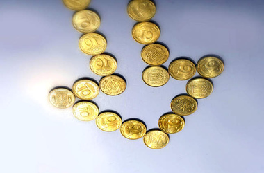 Курс доллара на межбанке снизился до 15,92 гривны