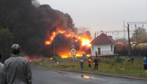 При пожаре на железной дороге в Черкасской области сгорели пять домов