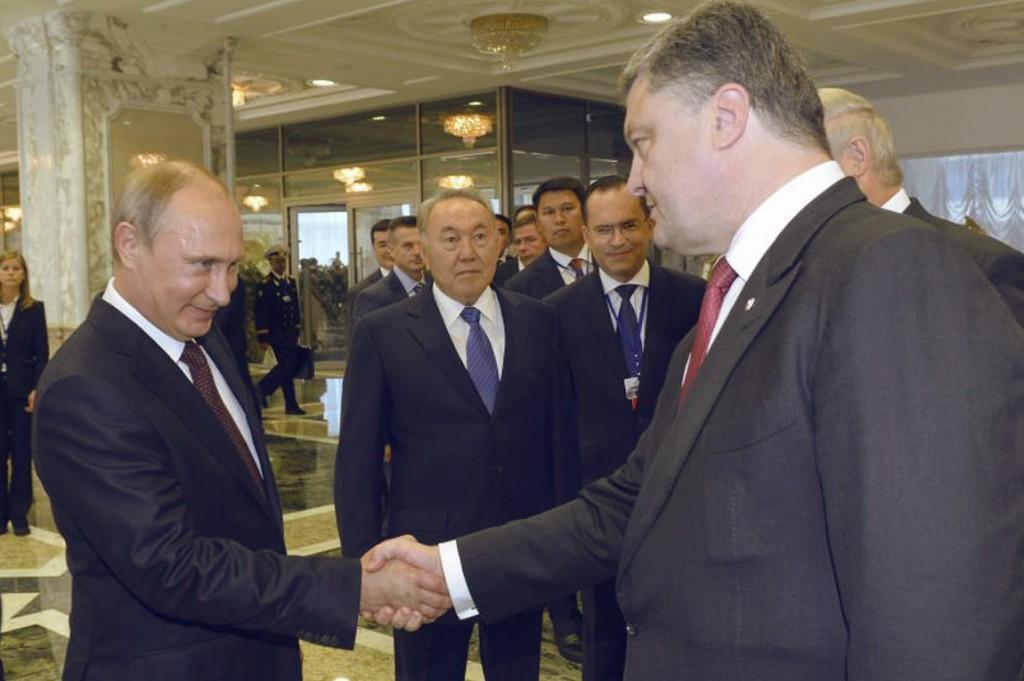 О чем говорили Порошенко и Путин