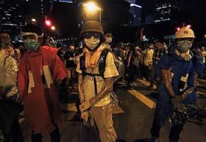 Полиция применила слезоточивый газ против гонконгских демонстрантов