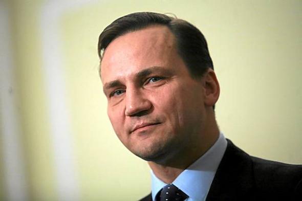 Сикорский опроверг заявление о намерении Путина поделить Украину