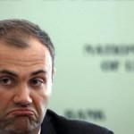 Суд разрешил заочное расследование против экс-министра финансов Колобова