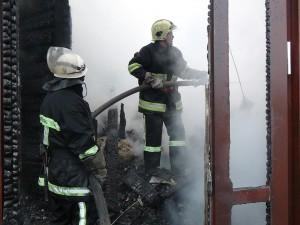 Сгорела гостиница сына Януковича. Фото