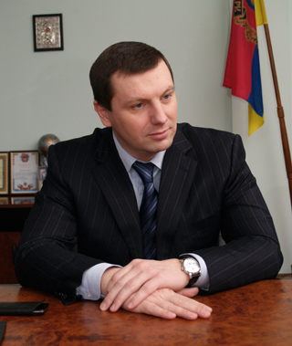 Экс-регионал Дунаев прошел в округе № 107 в Луганской области