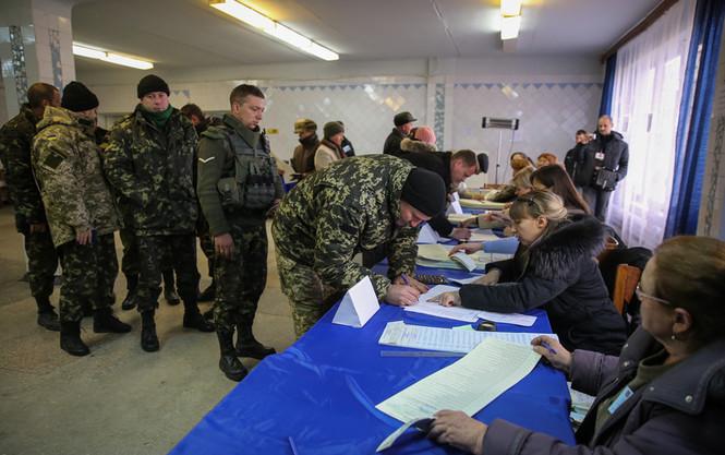 На Донбассе выборы проходят без нарушений