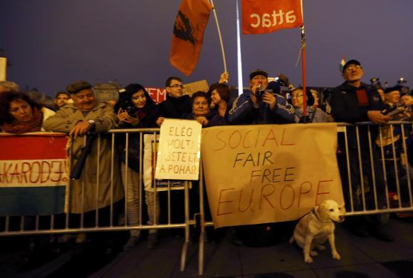 В Венгрии прошел десятитысячный митинг за отставку премьер-министра