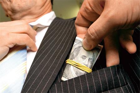 На Черкащине налоговик отказался от взятки