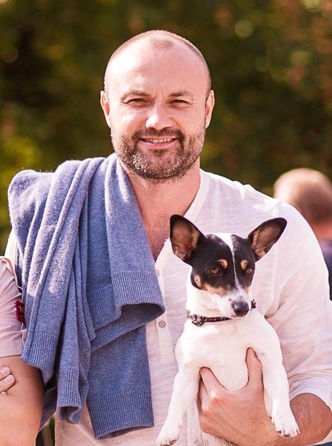 Тимур Хромаев с собачкой