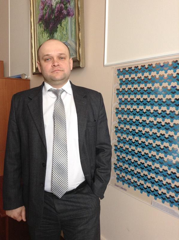 Роман Борисенко в своем кабинете