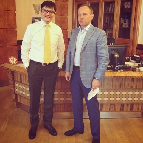 Губернатор Черниговской области пришел поговорить о ямах