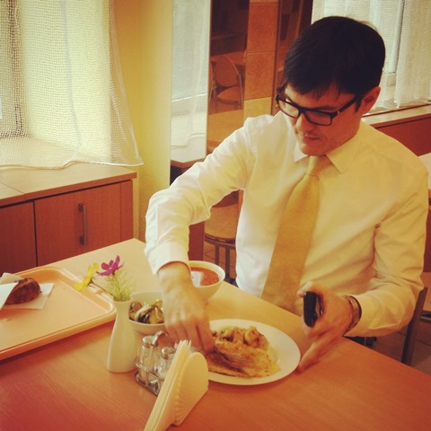 Аппетит у министра хороший