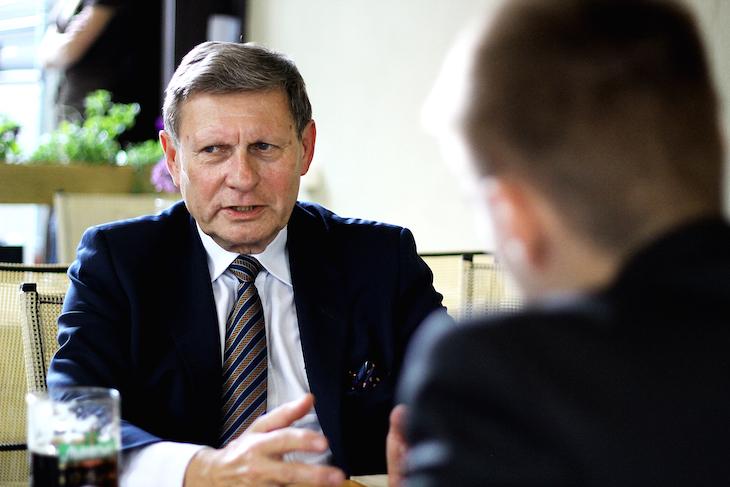 Лешек Бальцерович во время интервью. Фото - Валентина Балабанова