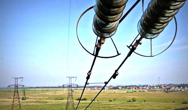 Экспорт электричества упал в четыре раза