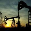 Нефть — по $57,18