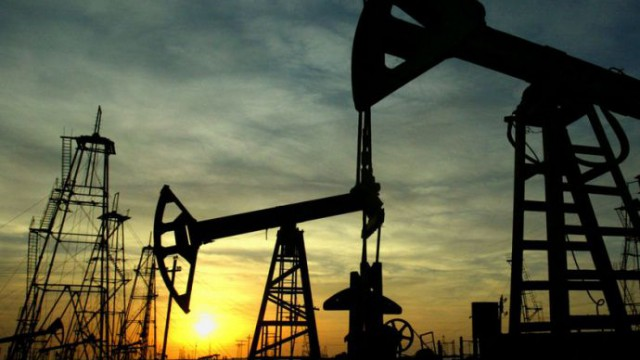 Добыча нефти в стране сократилась на 10,6%