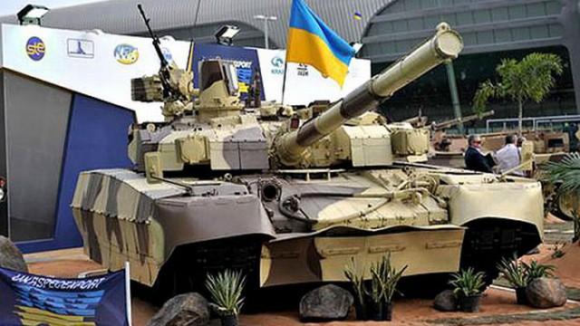 Армии за год выдали 9 самолетов и 316 танков