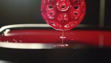 Процесс печати на 3D-принтере Carbon3D