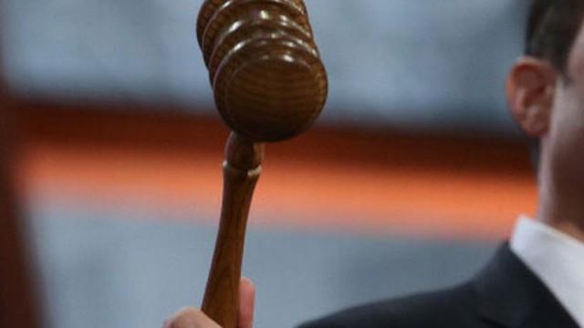 Судью Высшего хозсуда Емельянова отстранили на два месяца