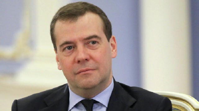 Медведев торопит Украину с реструктуризацией долга