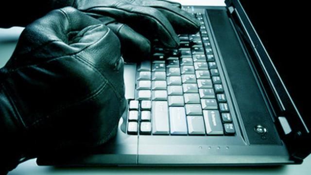 Хакеры взломали клиентскую базу Adidas