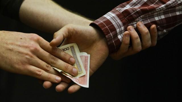 Фонд «Возрождение» профинансировал борьбу с коррупцией во Львовской области