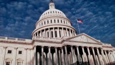 Американский сенатор объявил о добровольном карантине