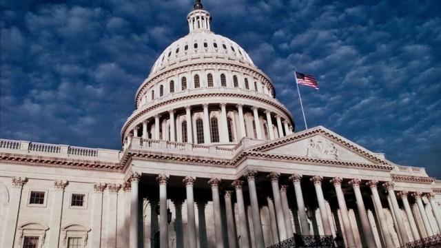 В США все-таки приняли бюджет для федерального правительства