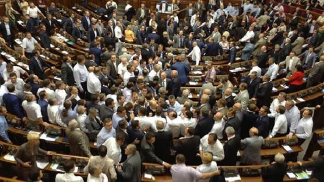 Профильный комитет Рады еще работает над бюджетом