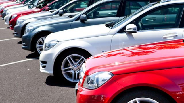 За месяц объем продаж легковых авто упал на 10%