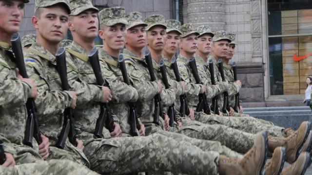 Осенью призовут в армию 35 тыс. человек