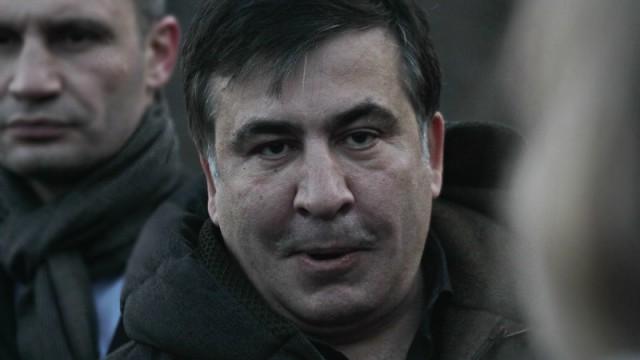 Саакашвили подстрекает Порошенко уволить Яценюка и Шокина