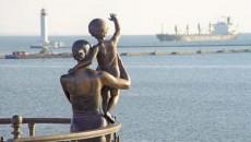 Дно Одесского морского порта начали углублять