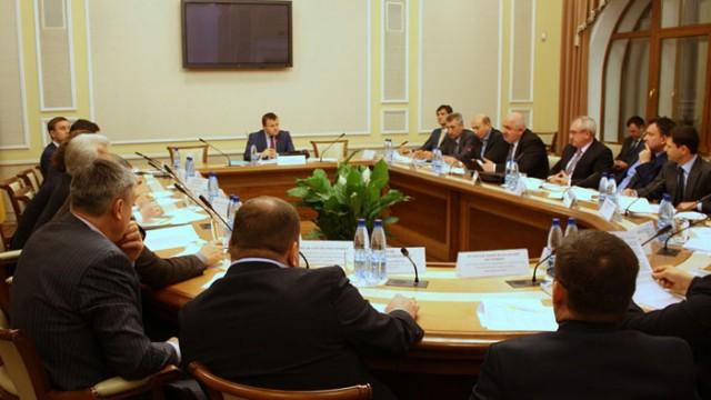 Демчишин обсудил с трейдерами снижение цен на топливо