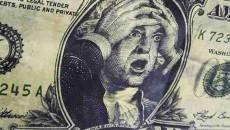 Доллар дешевеет к евро и иене