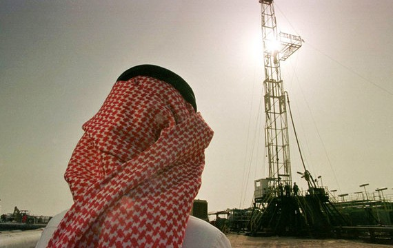 Страны-члены ОПЕК согласились ограничить добычу нефти