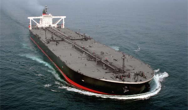 Первый танкер с иранской нефтью доставили в ЕС
