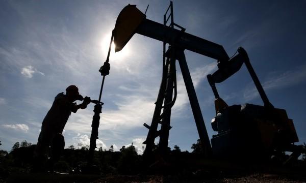 Нефть дешевеет на сообщении из США