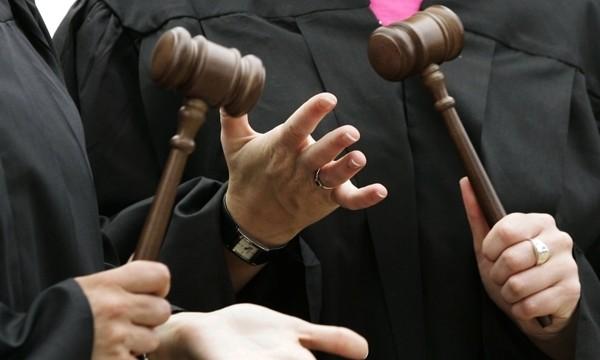 Нардепы просят взяться за судью, оправдавшего мэра-сепаратиста