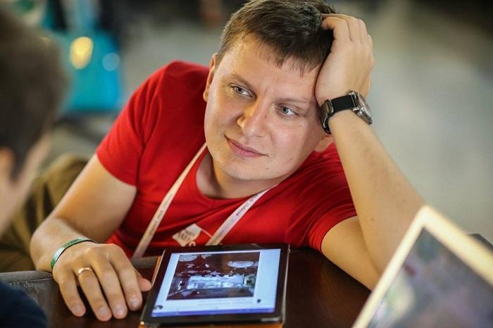Александр Славский