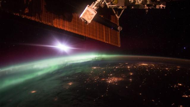 НАСА неудалось установить связи смарсоходом Opportunity