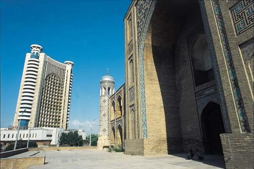 Узбекистан отменил импортный сбор на украинские товары