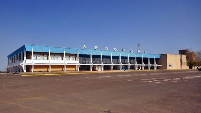 Аэропорт «Николаев» продолжают резать на металлолом