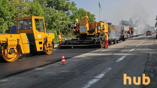 Омелян обещает закончить ремонт двух крупных магистралей в мае