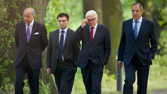 Позор в Брюсселе, предательство в Минске, «безумие» в Париже